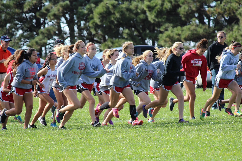12841_LHS_GIRLS_WARMUP_IMG_4868_1440x960.jpg