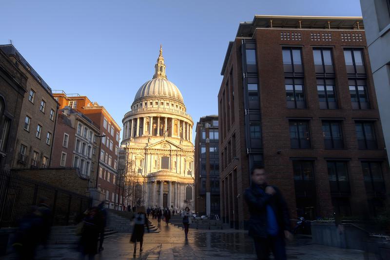 Saint-pauls-cathedral-london.jpg