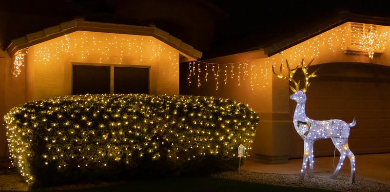 Phoenix Adobe Highlands Neighborhood Lights December 24, 2018  15.jpg