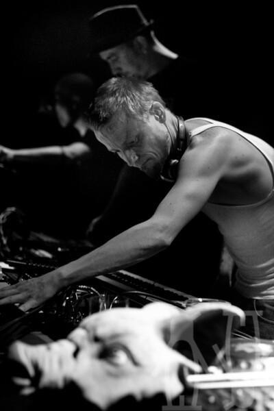 2010-07-24-DJ'er_på_sommerkvarteret-Adrian_Nielsen-05.jpg