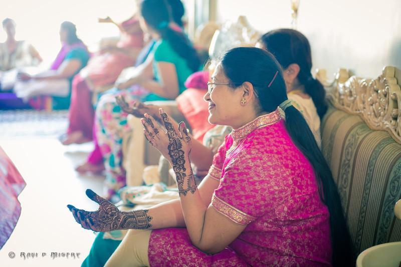Jay Pooja Mehandi-98.jpg