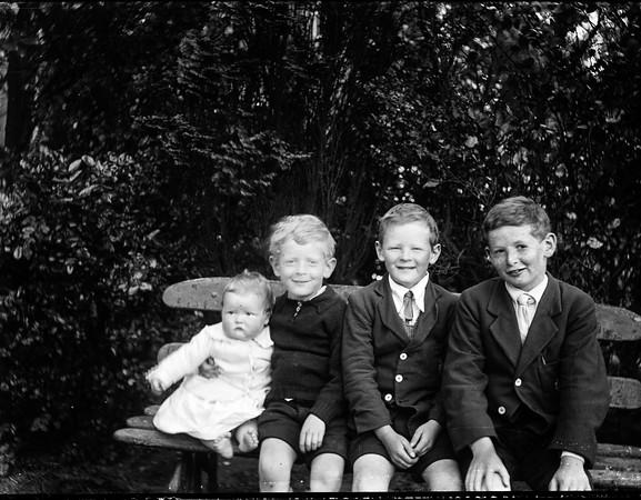 Bryson Family Edinburgh. photographer Louis Saul Langfier ltd