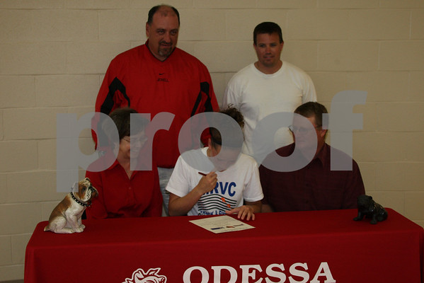 Sara Shippy Signs with William Jewell College 5-5-08