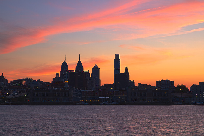 Philly Skyline Sunset_HDR2.jpg