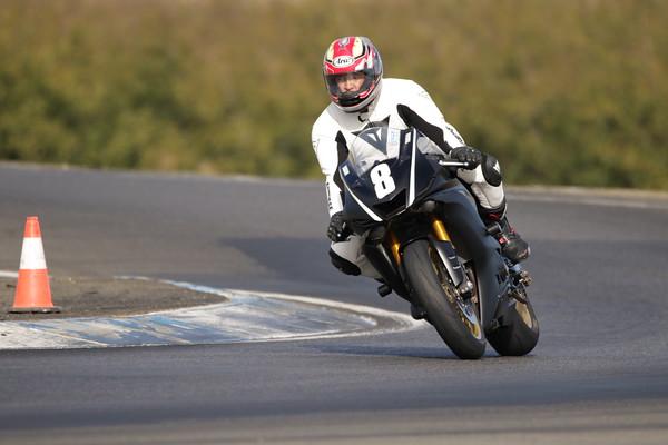 8 Yamaha Black