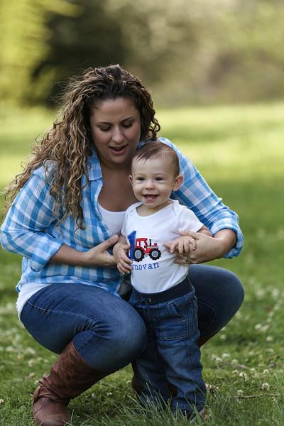 Donovan's 1st Birthday - Family Photoshoot-17.jpg