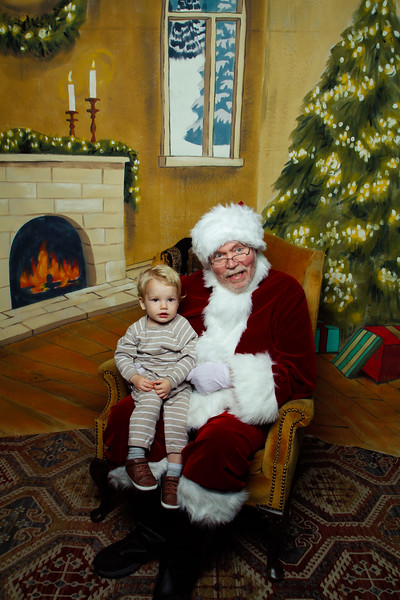 Pictures with Santa Earthbound 12.2.2017-102.jpg