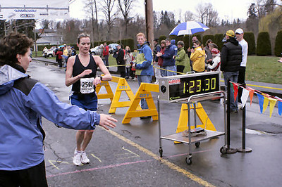 2005 Comox Valley Half Marathon - ComoxHalf2005-Al-Livsey-045.jpg