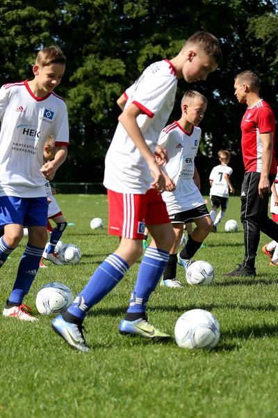 hsv_fussballschule-035_48047947181_o.jpg