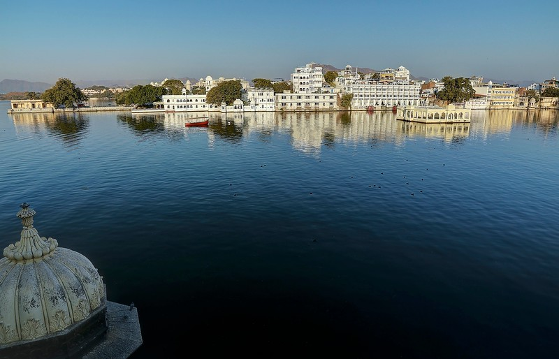 The charming city of Udaipur quickly became one of our favorites.  Overlooking the shimmering indigo Lake Pichola, Udaipur has a romance all its own.
