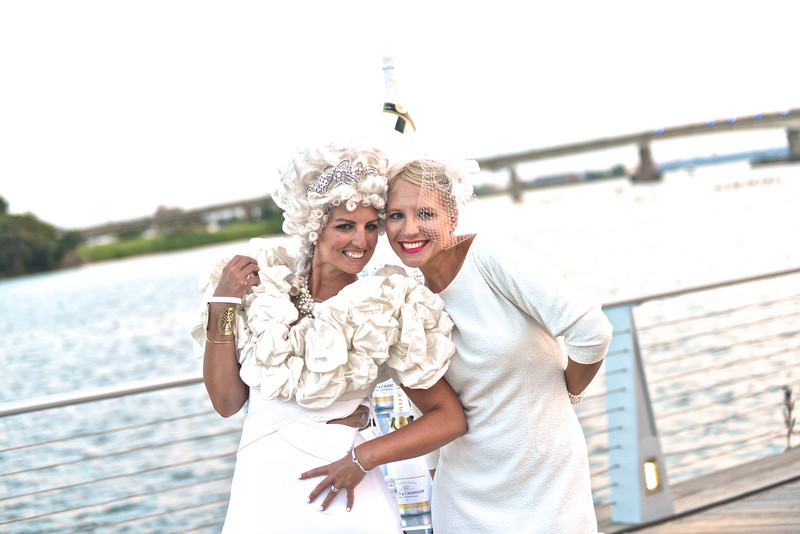 Jacqueline Battistini, Heidi Minora, The global phenomenon secret dinner party, Diner en Blanc, attracted over 1,300 guests all wearing white.  The Yards Park, Thursday, September 4, 2014.  Photo by Ben Droz
