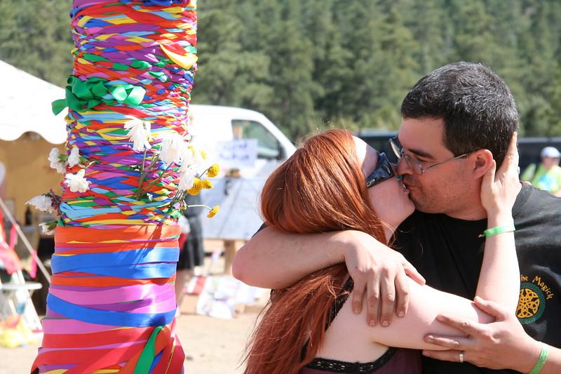 Maypole kiss