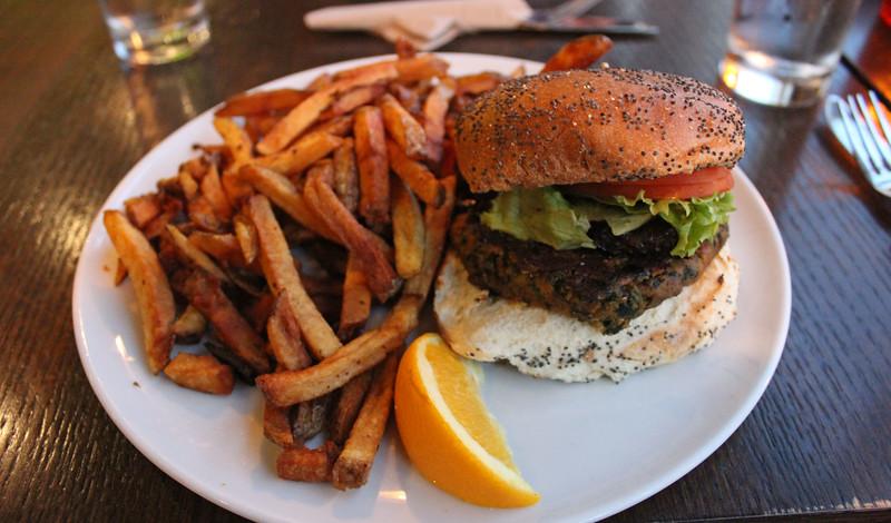 QuebecCity-Restaurant-ChezVictor06.JPG