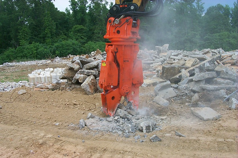 NPK M20G concrete pulverizer with QA20 quick attach on Cat excavator-concrete recycling (46).JPG