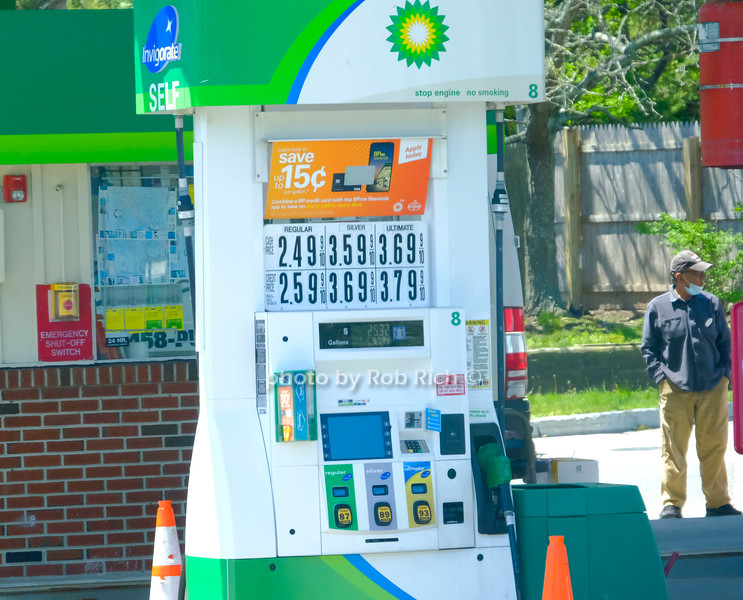 gas prices in Southampton at BP gas station May 21, 2020: Hamptons photo by Rob Rich/SocietyAllure.com ©2020 robrich101@gmail.com 516-676-3939