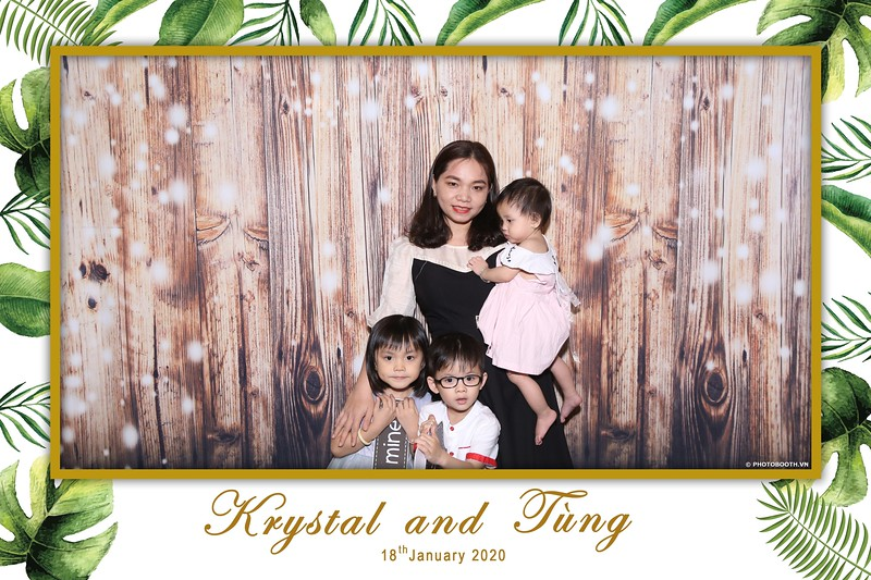 Krystal-Tung-wedding-instant-print-photo-booth-in-Ho-Chi-Minh-City-Chup-hinh-lay-lien-Tiec-cuoi-WefieBox-Photobooth-Vietnam-046.jpg