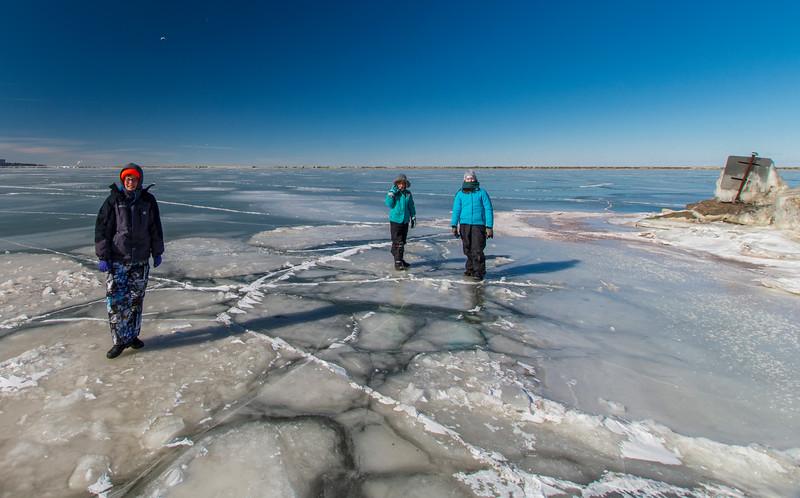 Elijah-Grace-Lake-Erie-IceCrack2s.jpg