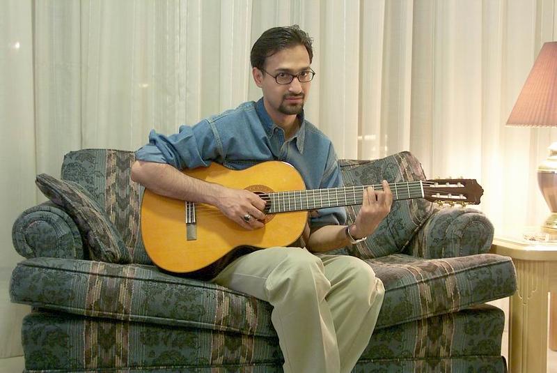 Haider-on-guitar.jpg
