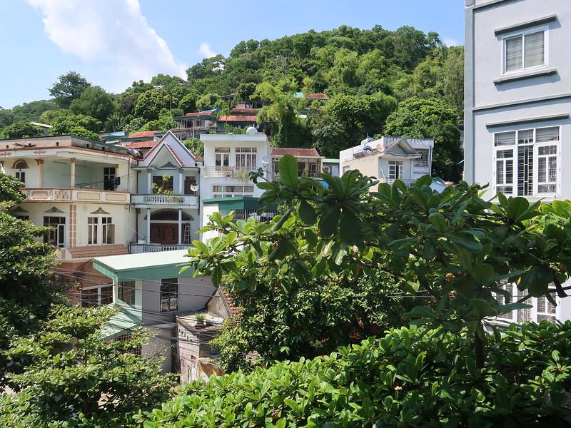 IMG_3539-hung-vuong-back-view.JPG