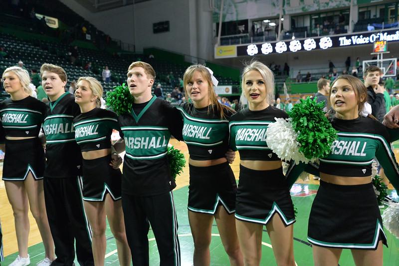 cheerleaders5198.jpg