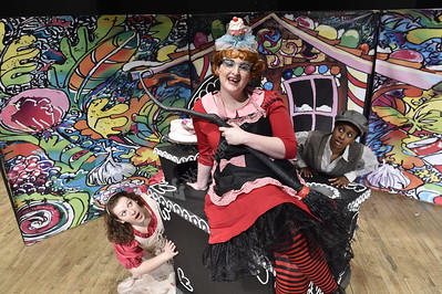 30657 Hansel And Gretel Publicity Photos Fablo Theather CAC 2015