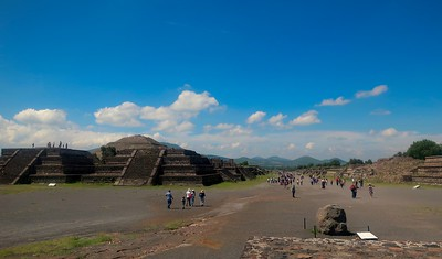 Early Morning Teotihuacan Pyramids Tour with Private Archeologist 29July2019