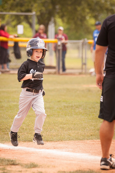 Younger Baseball-33.jpg