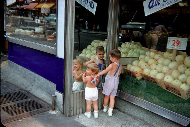 richard and susan at produce store july 1958.jpg