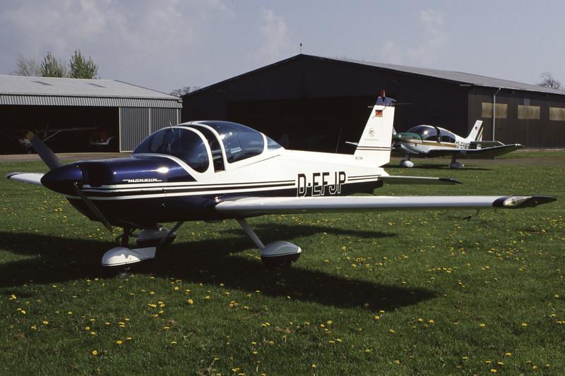 D-EFJP-MBBBo-209Monsun-Private-EDXB-1998-05-02-EK-38-KBVPCollection.jpg