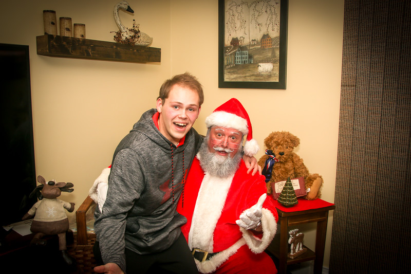 Santa Tim with Enzo 2018-89.jpg