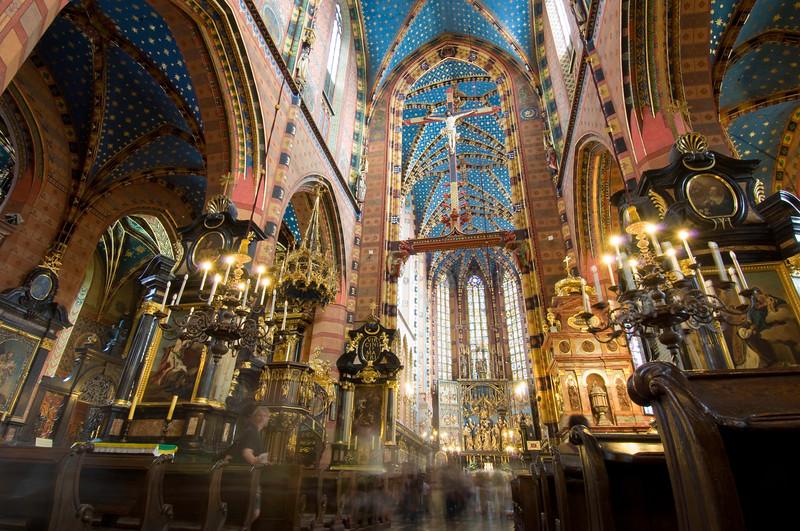 Poland, Cracow, interior of Mariacki Church