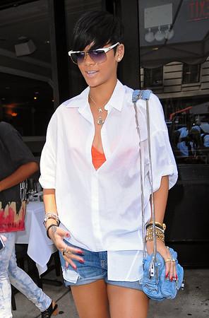 2009-06-29 - Rihanna, Taylor Momsen