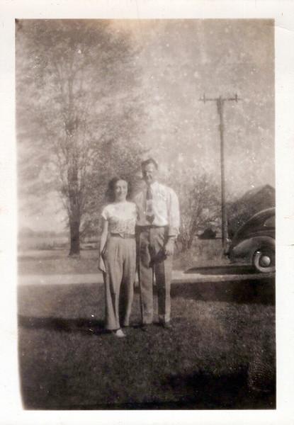 1942 Viv and Don.jpeg