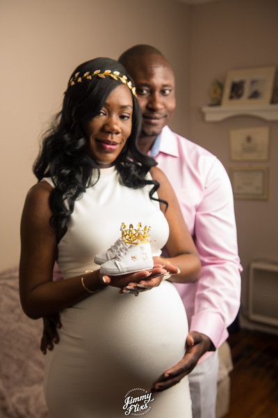 S & M FAMILY MATERNITY PICTURES
