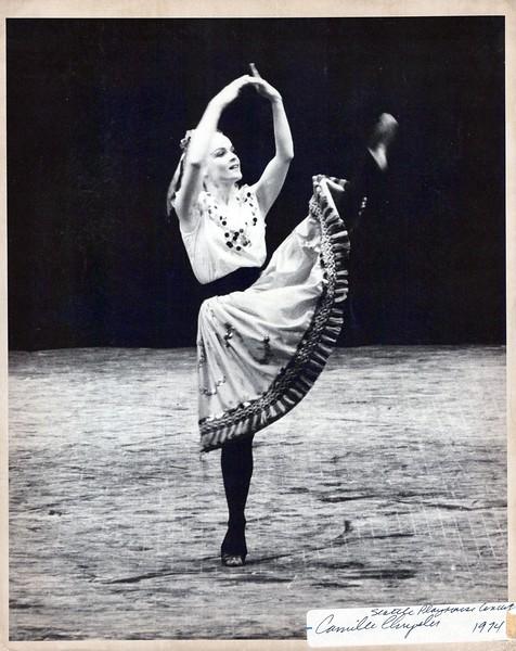 Dance_1000_a.jpg