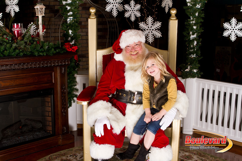 Santa Dec 15-296.jpg