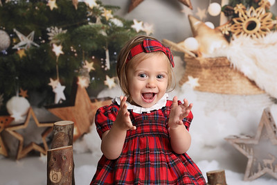 Gisella Christmas Mini Session