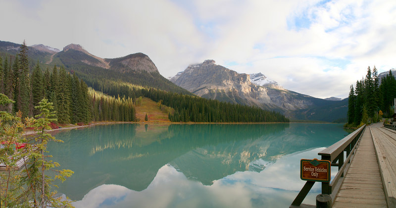 View of Emerald Lake right out of the parking lot. The mountain of the left is Emerald peak on Mount Carnarvon. The mountain in the middle is the Vice President and on the right side of the Vice President is Michael peak.