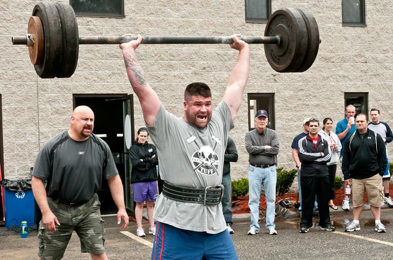 Fitness Revolution Strongman Challenge 2011_ERF3666.jpg