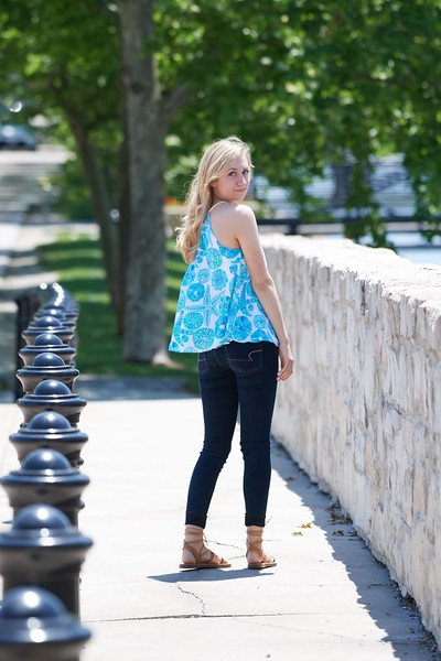 Megan Senior Pictures 0052 0.jpg