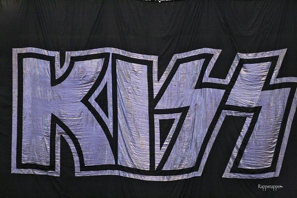 KISS @ Dallas, TX Slide Pics 12-06-09