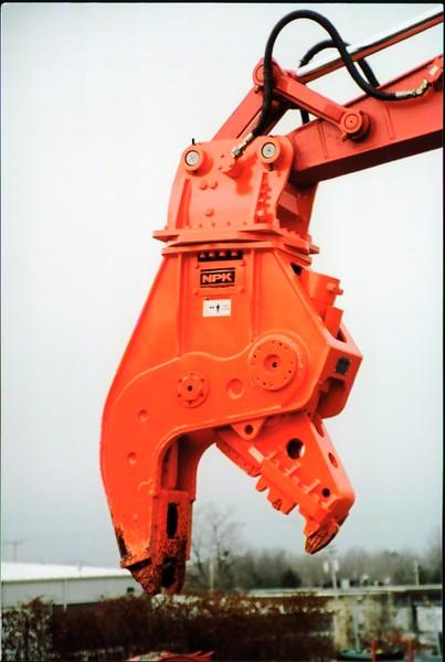 NPK U21J concrete pulverizer on Link-Belt excavator (33).JPG