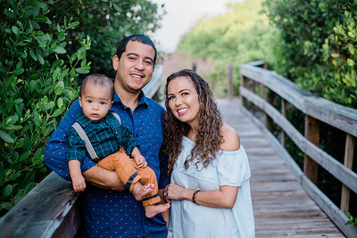 Nicole Jimenez Family Portraits