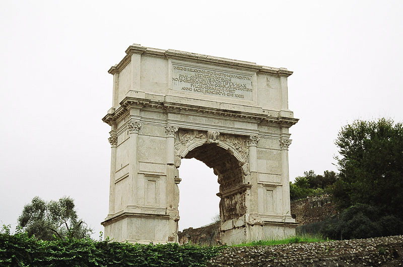 Sunday_Foro_Victory_Arch_the_other_one_