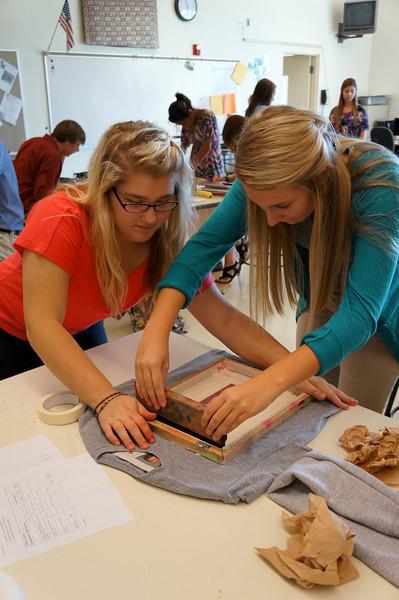 Lutheran-West-Art-Class-Silk-Screen-T-Shirts--September-2012--115.JPG