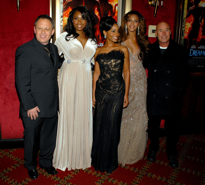 ". From left, director Bill Condon, actors Jennifer Hudson, Anika Noni Rose, Beyonce Knowles and producer David Geffen arrive to the premiere of ""Dreamgirls\"" at the Ziegfeld Theatre, Monday, Dec. 4, 2006, in New York. (AP Photo/Paul Hawthorne)"