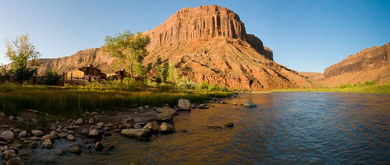 red-cliff-lodge-colorado-river-ut.jpg