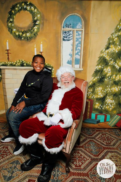 Pictures with Santa @Earthbound 12.1.2018-075.jpg