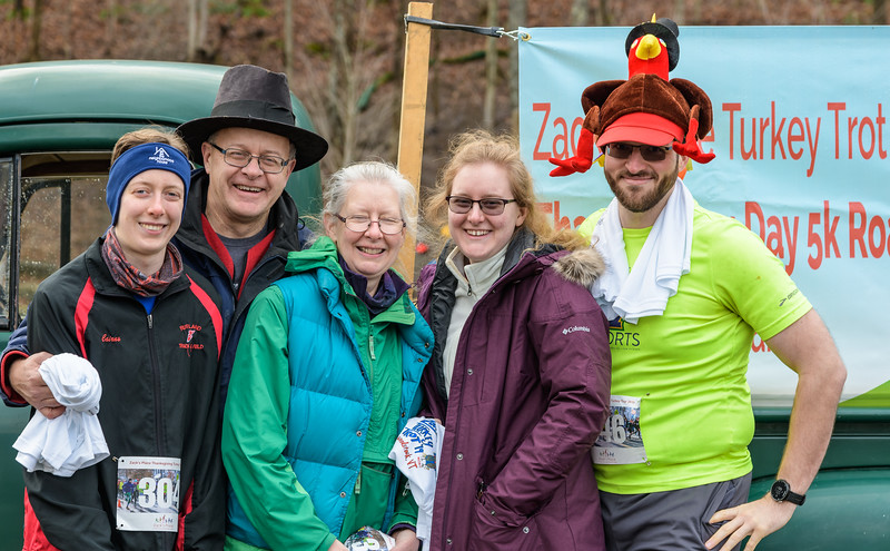 2019 Zack's Place Turkey Trot -_8507772.jpg