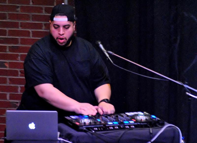 DJ (6).JPG